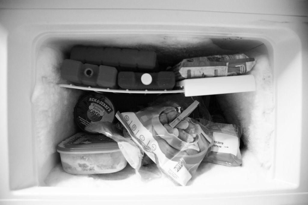 Perchè si forma ghiaccio nel frigo o nel congelatore?